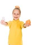 Leuk meisje met sinaasappel en fles Stock Afbeelding