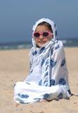 Leuk meisje op het strand royalty-vrije stock afbeeldingen