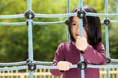 Leuk meisje op speelplaats royalty-vrije stock foto