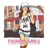 Leuk meisje in schets-stijl op een achtergrond van de straatkoffie. Stock Afbeelding
