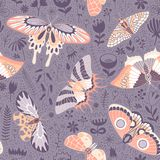 Leuk naadloos patroon met silhouetten van bloemen en butterflie Stock Afbeelding