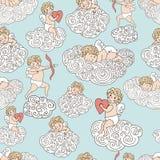 Leuk patroon met engelen op wolken Hand getrokken het slapen engel, engel met hart en met boog en pijl royalty-vrije illustratie