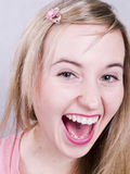 Leuk smilling blonde meisje Royalty-vrije Stock Foto