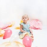 Leuk weinig babymeisje met blauwe ogen Royalty-vrije Stock Foto