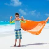 Leuk weinig jongen bij strand Royalty-vrije Stock Afbeelding