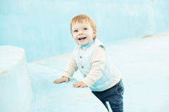 Leuk weinig jongen het glimlachen Royalty-vrije Stock Foto's