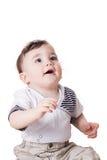 Leuk weinig kind dat omhoog kijkt Stock Fotografie