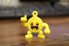 Leuk weinig marionet Charme keychain voor een kinderenzak stock foto