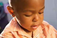 Leuke Afrikaanse Amerikaanse Jongen stock afbeelding