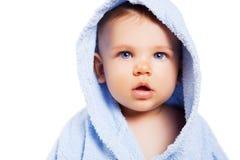 Leuke babyjongen die op witte achtergrond wordt geïsoleerd Royalty-vrije Stock Foto's