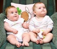 Leuke babys op stoel Royalty-vrije Stock Foto