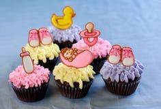 Leuke cupcakes voor een een babydouche of doopsel Royalty-vrije Stock Afbeelding