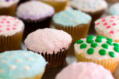 Leuke eigengemaakte cupcakes Royalty-vrije Stock Afbeelding
