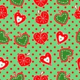 Leuke, heldere en kleurrijke hand getrokken naadloze het patroonvector van Kerstmisharten Stock Afbeeldingen