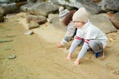 Leuke Jongen op Meerkust Royalty-vrije Stock Foto