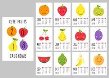 Leuke 2018 kalenderpagina's met glimlachende fruitkarakters en retro hand geschreven dunne doopvont stock illustratie