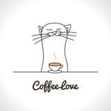Leuke kat het snuiven koffiekop Aanbiddelijk dier Stock Afbeeldingen