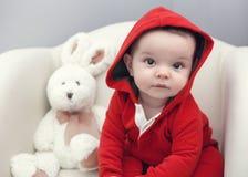 Leuke Kaukasische het meisjes zwarte ogen van de babyjongen Stock Fotografie
