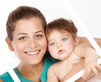 Leuke moeder met babyjongen Stock Foto
