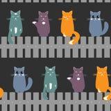Leuke naadloze patroonachtergrond die met katten op de omheining zetten Vector illustratie stock illustratie