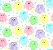 Leuke roze, blauwe, violette, groene en gele uilen met sterren in Royalty-vrije Stock Foto