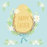 Leuke rustieke hand getrokken Pasen-kroon van de lentebloemen en ei met hand geschreven teksten Gelukkige Pasen Royalty-vrije Stock Foto's