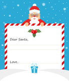Leuke Santa Claus in eenvormig kostuum houdt een document de vorm voor het schrijven en vriendschappelijk glimlachen Modern vlak  Royalty-vrije Stock Afbeelding