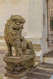 Leuke steen van Chinees kunstenstandbeeld in Wat Suthat Temple, Bangkok, Royalty-vrije Stock Foto's