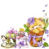 Leuke teddybeer en bloem violette achtergrond Waterverfteddybeer royalty-vrije illustratie