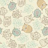Leuke uilen in een naadloos patroon royalty-vrije illustratie