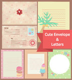 Leuke uitstekende pastelkleurbrieven en envelopdocument kantoorbehoeftentempla Royalty-vrije Stock Fotografie