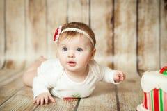 Leuke 6 van het babymaanden meisje Royalty-vrije Stock Foto