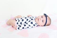 Leuke 2 van het babymaanden meisje Royalty-vrije Stock Foto's