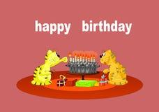 Leuke verjaardagshuisdieren en cake Royalty-vrije Stock Fotografie