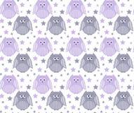 Leuke violette en grijze uilen met sterren op de achtergrond Stock Foto's