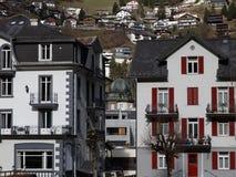 Leuke Zwitserse huizen Royalty-vrije Stock Afbeeldingen
