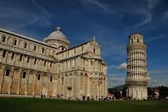 Leunende Toren en Kathedraal van Pisa Stock Foto
