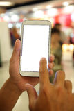 Leute übergeben das Halten des intelligenten Telefons Stockfotos