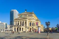 Leute an Alte-Operation in Frankfurt Stockfotografie