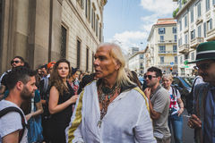 Leute außerhalb des John Richmond-Modeschaugebäudes für Milan Men Stockbilder