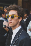 Leute außerhalb des John Richmond-Modeschaugebäudes für Milan Men Stockfoto