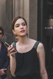 Leute außerhalb des John Richmond-Modeschaugebäudes für Milan Men Lizenzfreies Stockbild