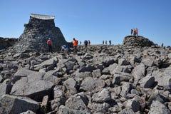 Leute auf dem Ben Nevis-Gipfel Lizenzfreies Stockfoto