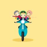 Leute auf dem Motorrad, das zur Reise fährt Stockfotos