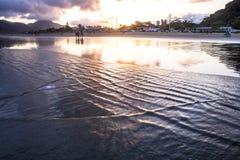 Leute auf dem Strand Lizenzfreie Stockfotos