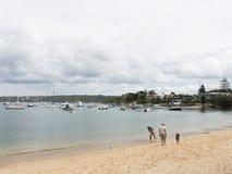 Leute auf dem Strand, Sydney Lizenzfreie Stockfotos