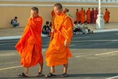 Leute auf der Straße des asiatischen Landes - Vietnam und Kambodscha Lizenzfreie Stockfotografie
