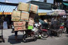 Leute auf der Straße des asiatischen Landes - Vietnam und Kambodscha Stockfotografie