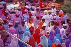 Leute bedeckt in der Farbe auf Holi-Festival Lizenzfreie Stockfotografie