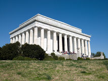 Leute besuchen das Lincoln-Denkmal im Washington DC Stockfotografie